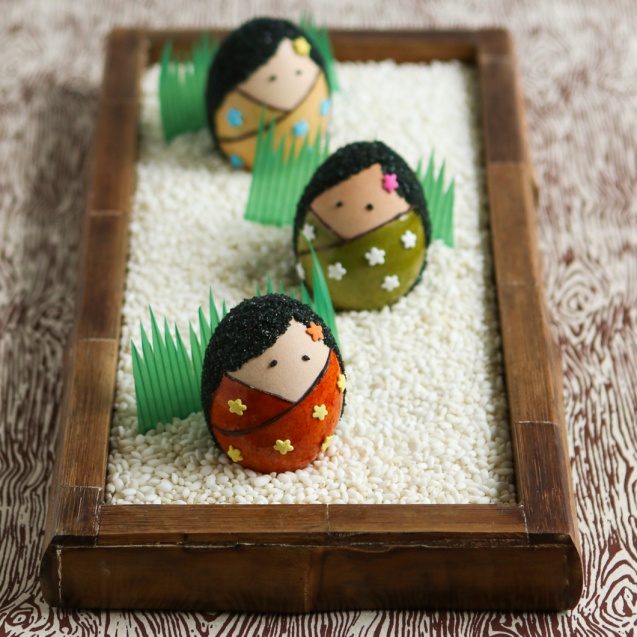kokeshi-doll-easter-eggs