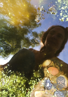 Selfie-reflection